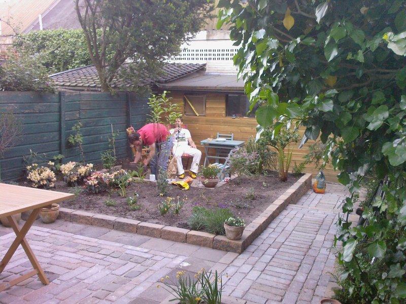 Aanleggen tuin en opknappen schuur onderhoud frankrijk for Tuin decoratie met stenen